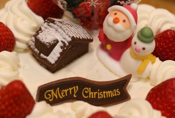 クリスマスケーキの販売スタッフ